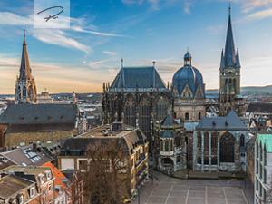 Aachener Dom im Sonnenuntergang