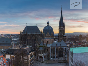 Aachener Dom im Sonnenuntergang Panorama