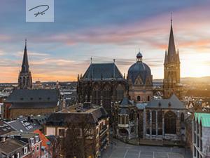 Aachener Dom zum Sonnenuntergang