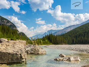 Fluss in die Rocky Mountains Kanada