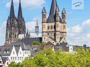 Groß St. Martin mit Kölner Dom