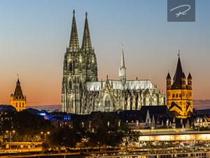 Kölner Dom zur Dämmerung