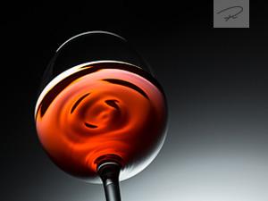 Rotwein von unten