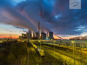 Sonnenuntergang am Kraftwerk Neurath