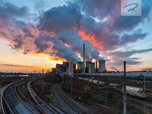 Sonnenuntergang am Kohlekraftwerk