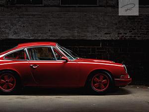 Roter Porsche 911 Oldtimer