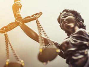The Statue of Justice symbol, legal law concept image : Stockfoto oder Stockvideo und Fotos, Bilder, Stockmedien von rcfotostock | RC-Photo-Stock